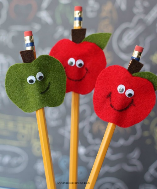 10 Fun DIY School Supply Projects! Back to school is an exciting time. Make it even more special by trying some of these crafty school supply projects! Back to school, DIY, school supply projects, pencil toppers, backpacks, diy note book covers, diy pencil case, back to school organization, school supply crafts #backtoschool #diy