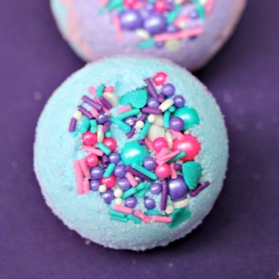 DIY Mermaid Bath Bombs