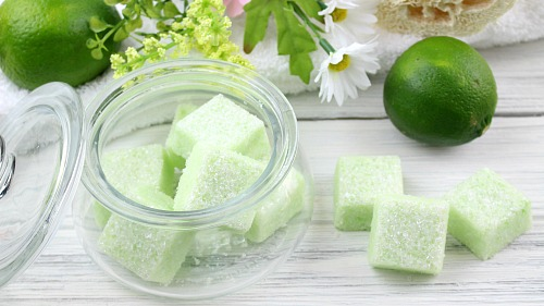 DIY Sugar Scrub Blocks: Key Lime- If you want to exfoliate your skin and make it shine, you have to make these key lime DIY sugar scrub cubes! They're so easy to make, and leave your skin looking beautiful! | sugar scrub bars, homemade body scrub, exfoliate, exfoliating, #DIY #sugarScrub #beauty #bodyScrub #diyGift #homemadeGift