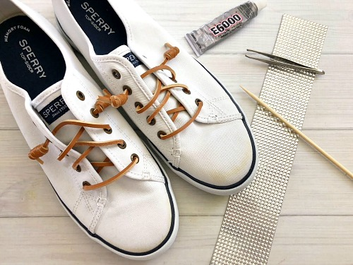 DIY Gem Sneakers: How to Bedazzle Shoes- It's easy to customize your shoes by putting gems on them. Here is how to bedazzle sneakers and make your own DIY gem shoes! These make great DIY gifts! | add rhinestones to shoes, add gems to shoes, #DIY #craft #bedazzle #diyGift #homemade #handmade #diyProject #sneakers #shoes #homemadeGift #ACultivatedNest