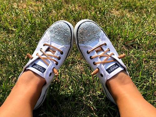 Sneaker Bedazzling Tutorial- It's easy to customize your shoes by putting gems on them. Here is how to bedazzle sneakers and make your own DIY gem shoes! These make great DIY gifts! | add rhinestones to shoes, add gems to shoes, #DIY #craft #bedazzle #diyGift #homemade #handmade #diyProject #sneakers #shoes #homemadeGift #ACultivatedNest