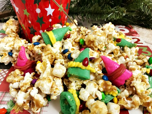 Elf Maple Popcorn- This quick and easy elf maple popcorn is the perfect holiday sweet treat! And it's a great pairing with the Elf movie, or Elf on a Shelf! | Christmas popcorn, popcorn food gift idea, maple syrup popcorn, #recipe #popcorn #ACultivatedNest