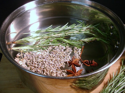 Lavender DIY Simmer Pot- An easy (and all-natural) way to make your home smell great this spring and summer is with these wonderful smelling DIY simmer pot recipes! | natural air freshener, how to make your home smell good, chemical-free DIY air freshener, #DIY #potpourri #ACultivatedNest