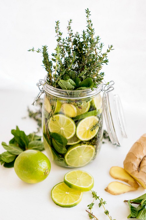 Lime Stovetop Potpourri- If you want to make your home smell wonderful the all-natural way, then you have to try these DIY simmer pot recipes for spring and summer! | natural air freshener, how to make your home smell good, chemical-free DIY air freshener, #DIY #simmerPot #ACultivatedNest