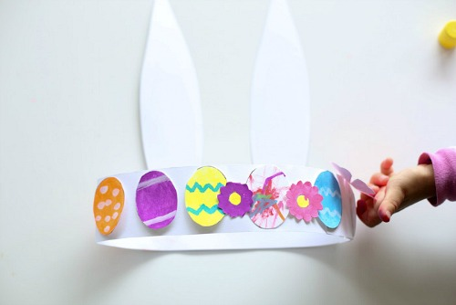 Bunny Hat Craft- Keep your kids entertained this Easter with these 17 fun and frugal Easter kids activities! They're so fun, and very inexpensive! | spring kids crafts, paper plate crafts, bunny kids crafts, DIY easter eggs, #Easter #kidsActivities #ACultivatedNest