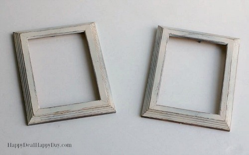 Distressed Dollar Store Frames- An inexpensive and easy way to make pretty decor is with dollar store materials! Check out all of this pretty home decor made with dollar store frames! | dollar store decor DIY projects, dollar store crafts, upcycle old frames, #dollarStore #dollarTree #DIY #decor #AcultivatedNest