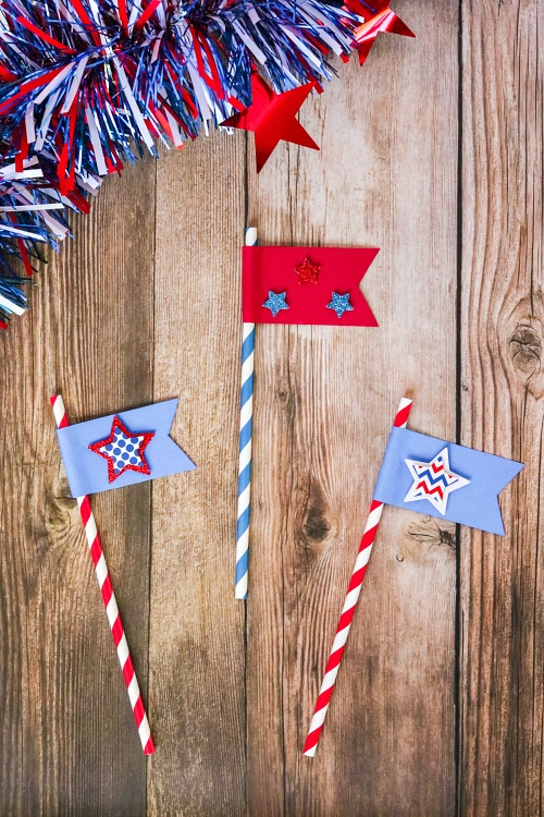 DIY Straw Flags for 4th of July or Memorial Day- For a fun (and tasty) drink to serve at your next Memorial Day or Fourth of July party, make this red, white, and blue layered drink + DIY straw flags! | patriotic drink recipe, homemade drink, #drinkRecipe #FourthOfJuly #MemorialDay #ACultivatedNest