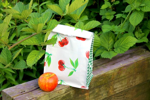 DIY Alternative to Paper Lunch Bags- If you want to do something good for the environment and your budget, you should make your own DIY reusable lunch bags with my easy tutorial! They're eco-friendly, frugal, and easy to customize! | reduce paper waste, alternatives to paper lunch bags, how to sew a lunch bag, #DIYProject #ecoFriendly #tutorial #sewingProject #ACultivatedNest