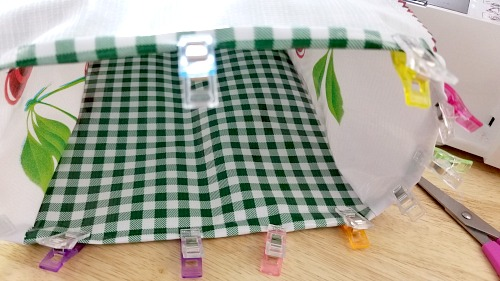 DIY Reusable Lunch Bags: Sewing Project- If you want to do something good for the environment and your budget, you should make your own DIY reusable lunch bags with my easy tutorial! They're eco-friendly, frugal, and easy to customize! | reduce paper waste, alternatives to paper lunch bags, how to sew a lunch bag, #DIYProject #ecoFriendly #tutorial #sewingProject #ACultivatedNest