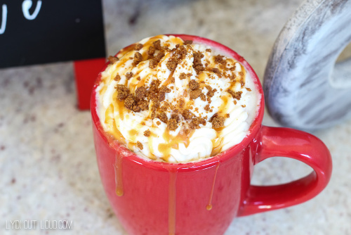 Gingerbread Eggnog Latte Recipe- This is the ultimate list of easy and delicious Christmas drink recipes. Serve them at your next holiday party and everyone will rave about them for sure! | holiday drink recipes, nonalcoholic drinks, kid friendly drinks, hot drinks, cold drinks, #recipe #drinks #ChristmasDrinks #alcoholicDrinks #ACultivatedNest