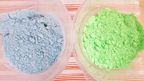 DIY Glowing Bath Bombs- These DIY glow in the dark bath bombs are so easy to make and fun to use! They make a wonderful homemade beauty product gift as well! | how to make glowing bath bombs, Halloween bath bombs, #bathBomb #DIY #beauty #craft #ACultivatedNest