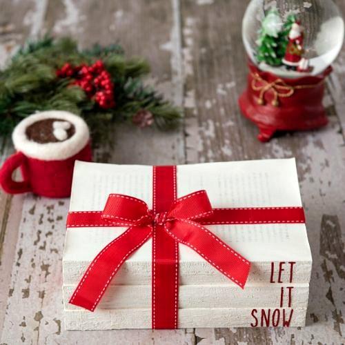 DIY Rae Dunn Christmas Farmhouse Books- Add some stunning rustic charm to your holiday decor with these DIY Rae Dunn Christmas farmhouse books! They're easy to make and look fantastic! | #diy #ChristmasDecor #raeDunn #farmhouse #ACultivatedNest