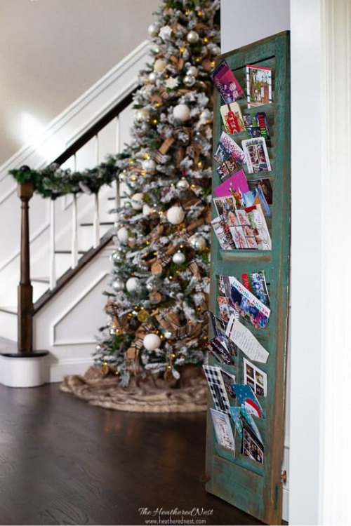 8 Christmas Card Displays to Make- Are you looking for ways to display that pile of Christmas Cards? Check out these cool Christmas card display holders! These are really great DIY Christmas projects that are suitable for people of all skill levels! | #Christmas #ChristmasCardDisplay #diy #ChristmasDecor #ACultivatedNest
