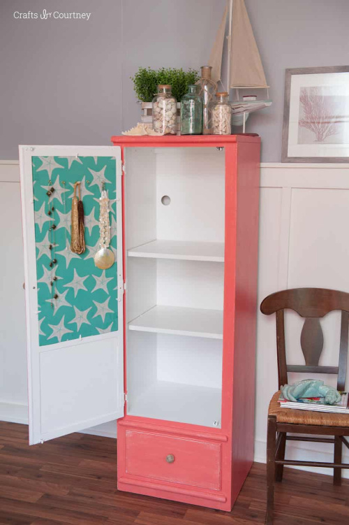 DIY Jewelry Organizer- If you want to organize your bedroom on a budget, check out these 10 clever bedroom storage ideas! They'll make your bedroom inviting and so relaxing! | DIY organizers, DIY bedroom storage solutions, #organization #organizingTips #bedroomOrganization #organize #ACultivatedNest