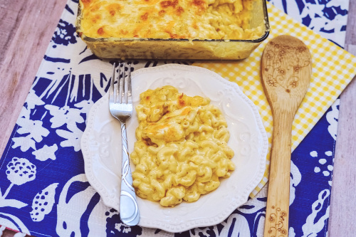 How to Bake Mac and Cheese- If you want delicious comfort food, you have to make this homemade baked mac and cheese! It's easy to make, will please any crowd, and is the perfect side to so many meals! | #recipe #comfortFood #macAndCheese #food #ACultivatedNest