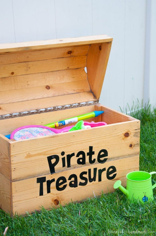 Treasure Chest Toy Box- Tired of toys lying everywhere? You and your kids need these creative DIY toy storage ideas! They're easy to implement and look nice too! | kids room organization, kids playroom organization, how to organize kids toys, #toyStorage #toyOrganization #organizingTips #organization #ACultivatedNest