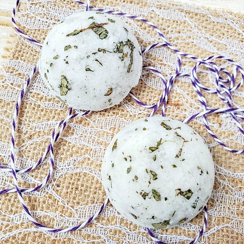 Soothing DIY Eucalyptus Shower Melts- These soothing DIY eucalyptus shower melts can help clear your sinuses if you have a stuffy nose. And they're very easy to make! | #showerMelt #DIY #showerFizzy #essentialOils #ACultivatedNest