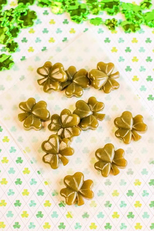Shamrock St. Patrick's Day Gummies Recipe- These shamrock fruit juice gummies are a wonderful holiday treat that are easy to make and only take 3 ingredients. Kids and adults love them! | #gummies #SaintPatricksDay #recipe #shamrock #ACultivatedNest