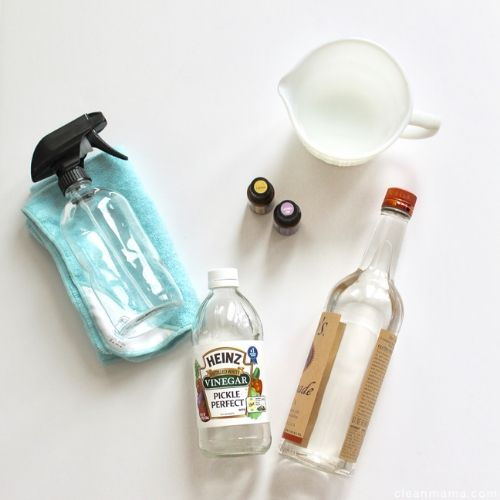 DIY Disinfecting Spray Cleaners- Get your house sparkling clean with the 10 best DIY disinfecting cleaners! They work well for killing germs and are a great way to save money too! | #disinfecting #diyCleaner #homemadeCleaner #cleaning #ACultivatedNest