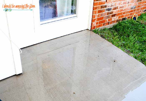 Clean Your Concrete Patio- Your yard is going to look fabulous with these brilliant backyard cleaning tips! It will be ready for entertaining, sipping on sweet tea, or resting. | how to clean your patio, how to clean your fence, how to clean your backyard, #cleaningTips #cleaning #backyard #yard #ACultivatedNest