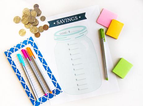 Printable Savings Goal Tracker- These fabulous free printable savings trackers will help you get your finances in order and ready for whatever you are saving for! | #savingsTracker #saveMoney #moneySavingTips #freePrintables #ACultivatedNest
