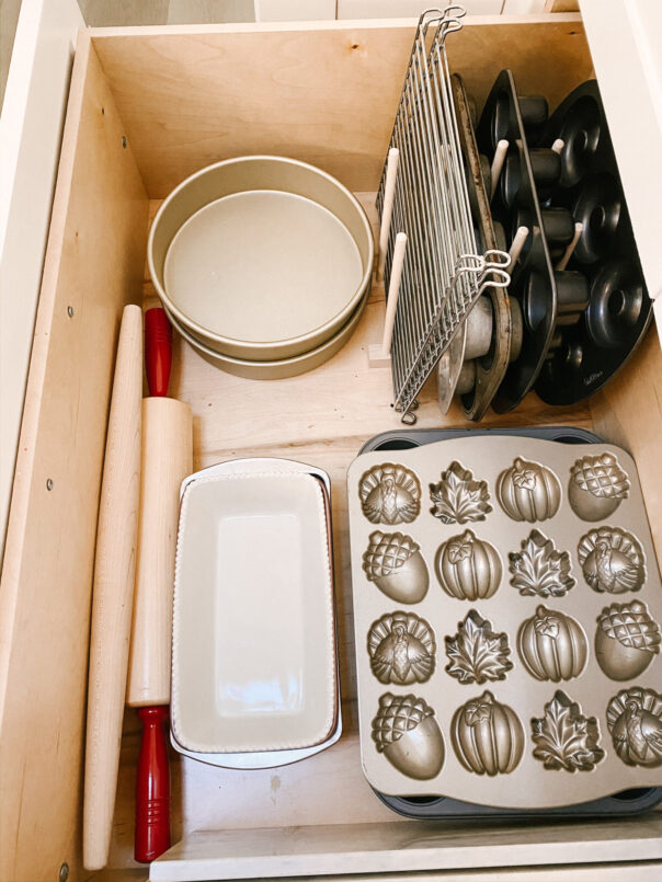 12 Clever Kitchen Drawer Organization Ideas- If you want to be able to find things fast in your kitchen, you need to check out these space saving kitchen drawer organization ideas! | #organizingTips #homeOrganization #kitchenOrganization #organizing #ACultivatedNest