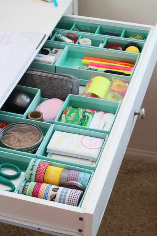 12 Clever Kitchen Drawer Organizers- If you want to be able to find things fast in your kitchen, you need to check out these space saving kitchen drawer organization ideas! | #organizingTips #homeOrganization #kitchenOrganization #organizing #ACultivatedNest