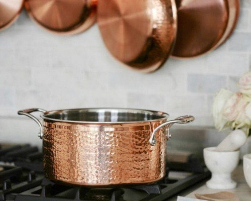 10 Best Cookware Cleaning Tips- Clean up charred food and burned on grease easily with these 10 cookware cleaning tips! These cookware cleaning hacks will leave your cookware looking brand new! | cleaning copper cookware, cleaning stainless steel cookware, cleaning cast iron pans, #cleaningHacks #cleaningTips #cleaning #kitchenCleaning #ACultivatedNest