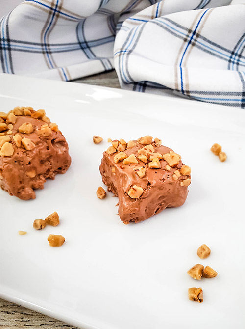 Homemade Toffee Fudge Dessert- For a delicious homemade treat, or a tasty homemade food gift, you have to make this easy homemade toffee fudge recipe! | #fudge #recipe #dessert #dessertRecipe #ACultivatedNest