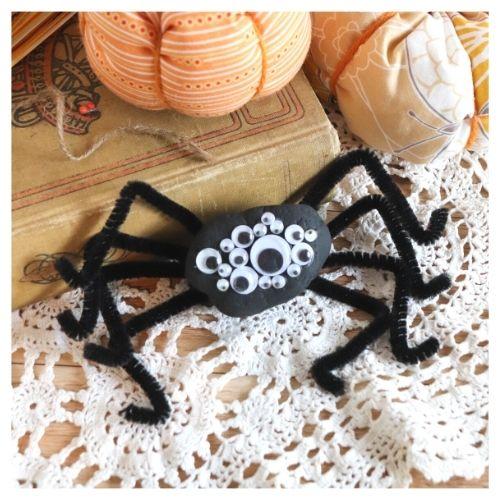 Rock Spider Kids Craft- Your kids will love doing this fun rock spider kids craft for Halloween! These cute DIY rock spiders also make fun Halloween décor! | #craft #kidsCraft #HalloweenCraft #rockCraft #ACultivatedNest